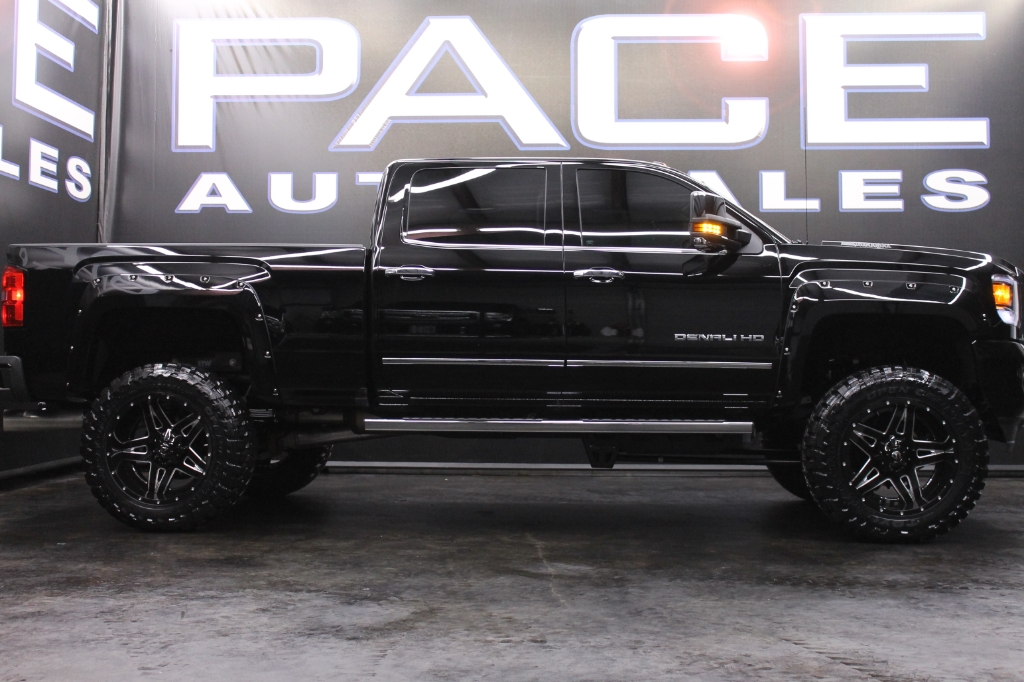 used 2017 gmc sierra 2500hd denali crew cab 4wd lifted for sale in hattiesburg ms 39402 pace. Black Bedroom Furniture Sets. Home Design Ideas