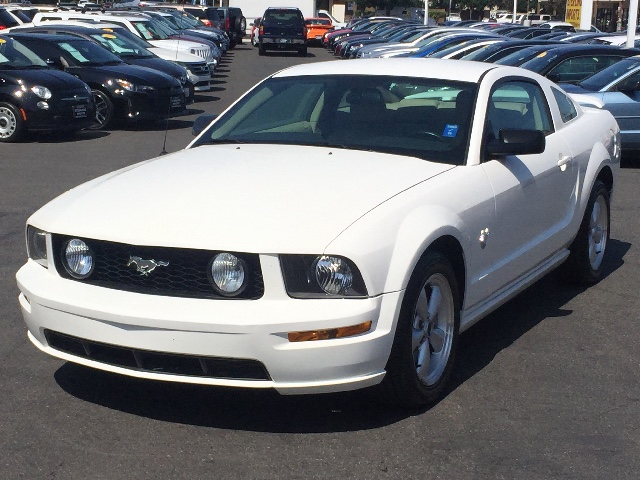 2009 Ford Mustang GT Premium Coupe