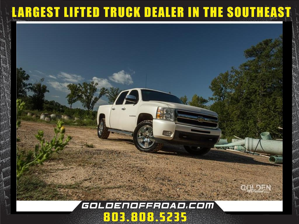 2011 Chevrolet Silverado 1500 LTZ CREW CAB 4WD LIFTED/LEVELED FUEL M/Ts
