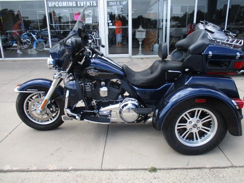 2012 Harley-Davidson FLHTCUTG