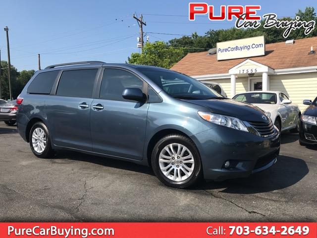 2015 Toyota Sienna XLE FWD 8-Passenger **LEATHER SEATING//LOW MILES//