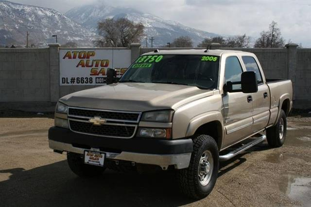 2005 Chevrolet Silverado 2500HD LT Crew Cab Long Bed 4WD