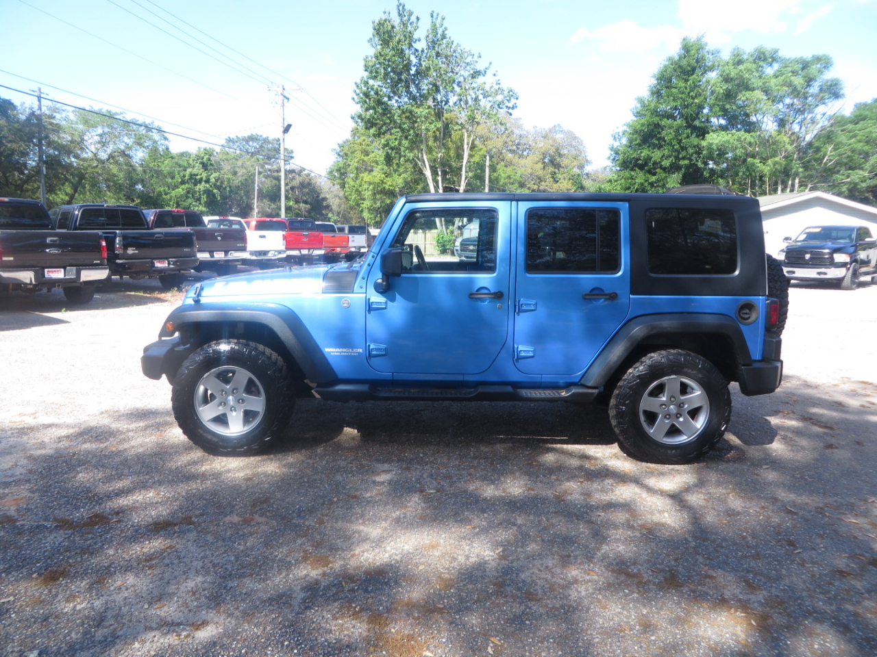 2010 Jeep Wrangler Unlimited 4WD 4dr Islander *Ltd Avail*