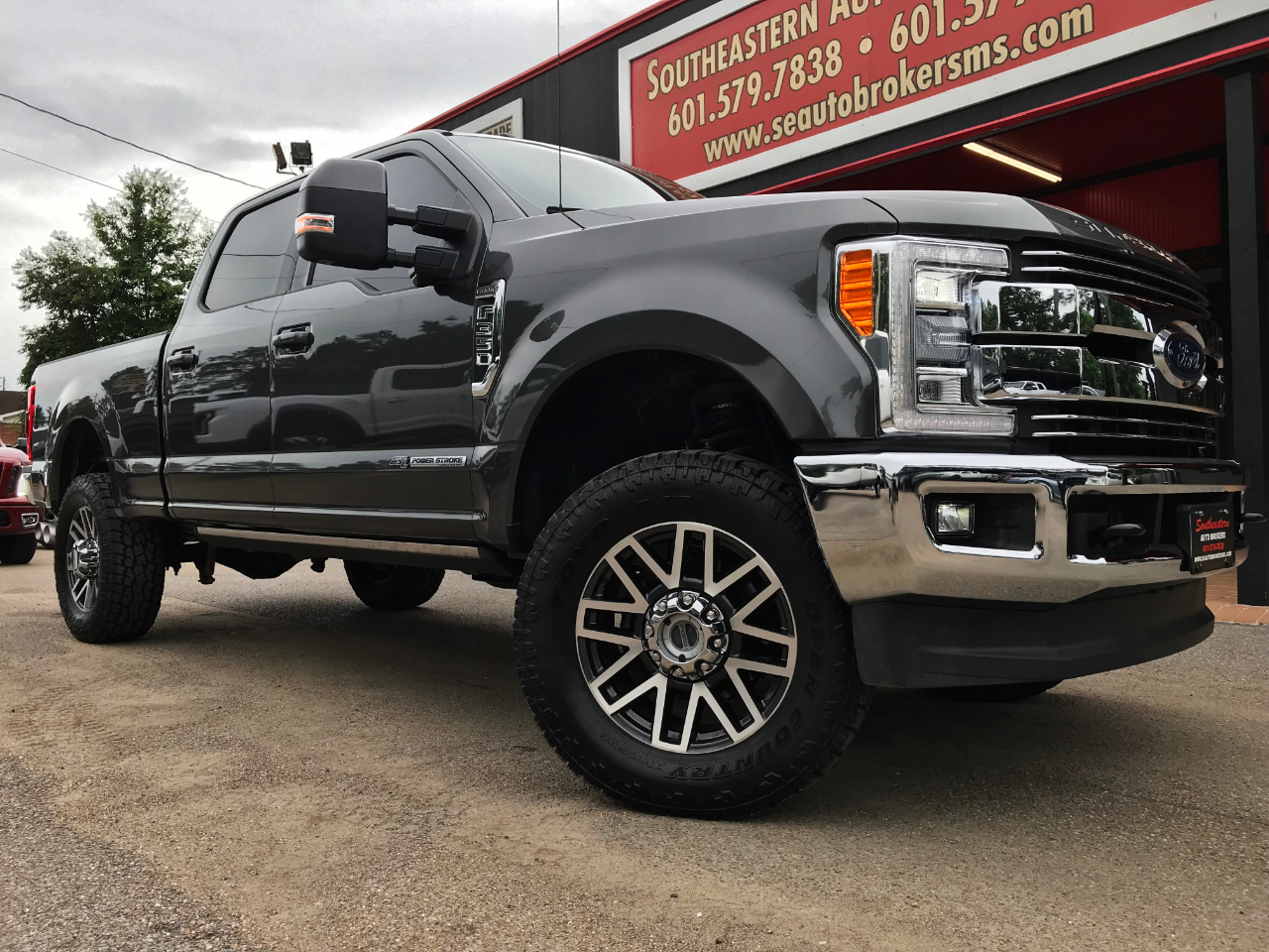 2017 Ford F-350 SD LARIAT CREW CAB SHORT BED 4WD CUSTOM LEVELED