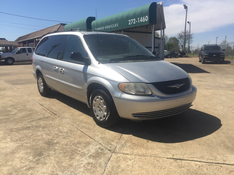 "2002 Chrysler Town & Country 4dr 119"" WB LX FWD"