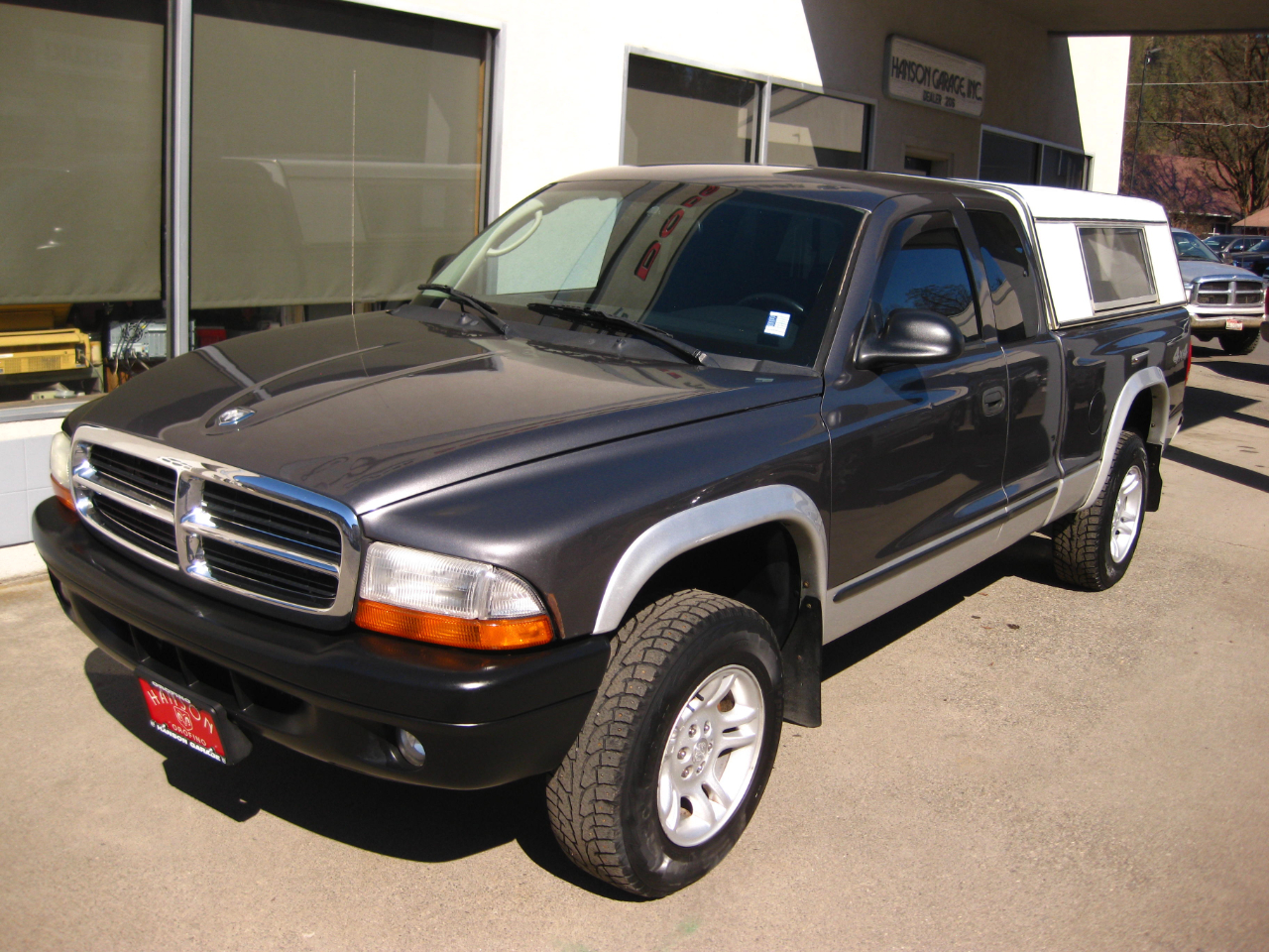 "2003 Dodge Dakota 2dr Club Cab 131"" WB 4WD SLT"