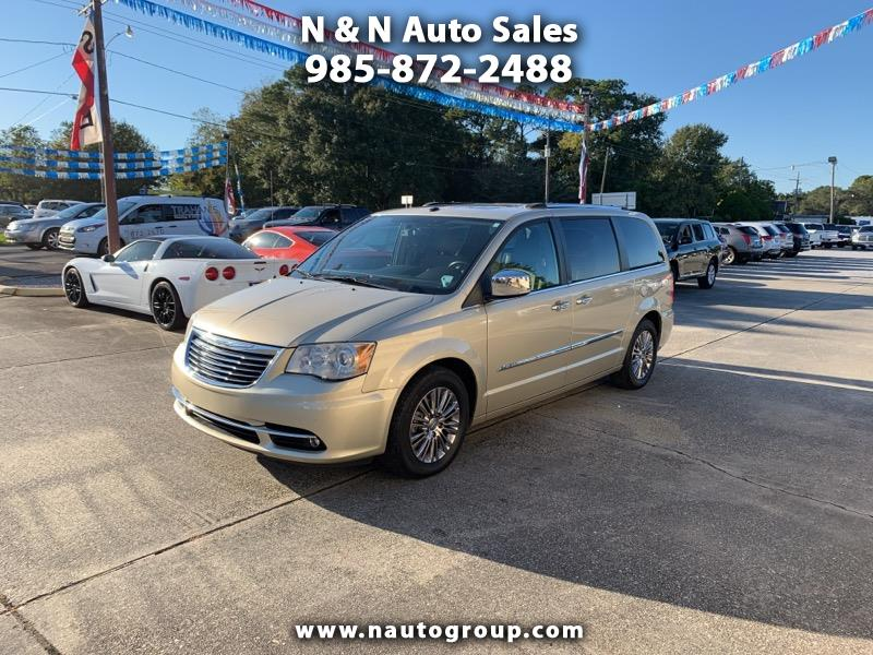 "2011 Chrysler Town & Country 4dr 119"" WB Limited FWD"