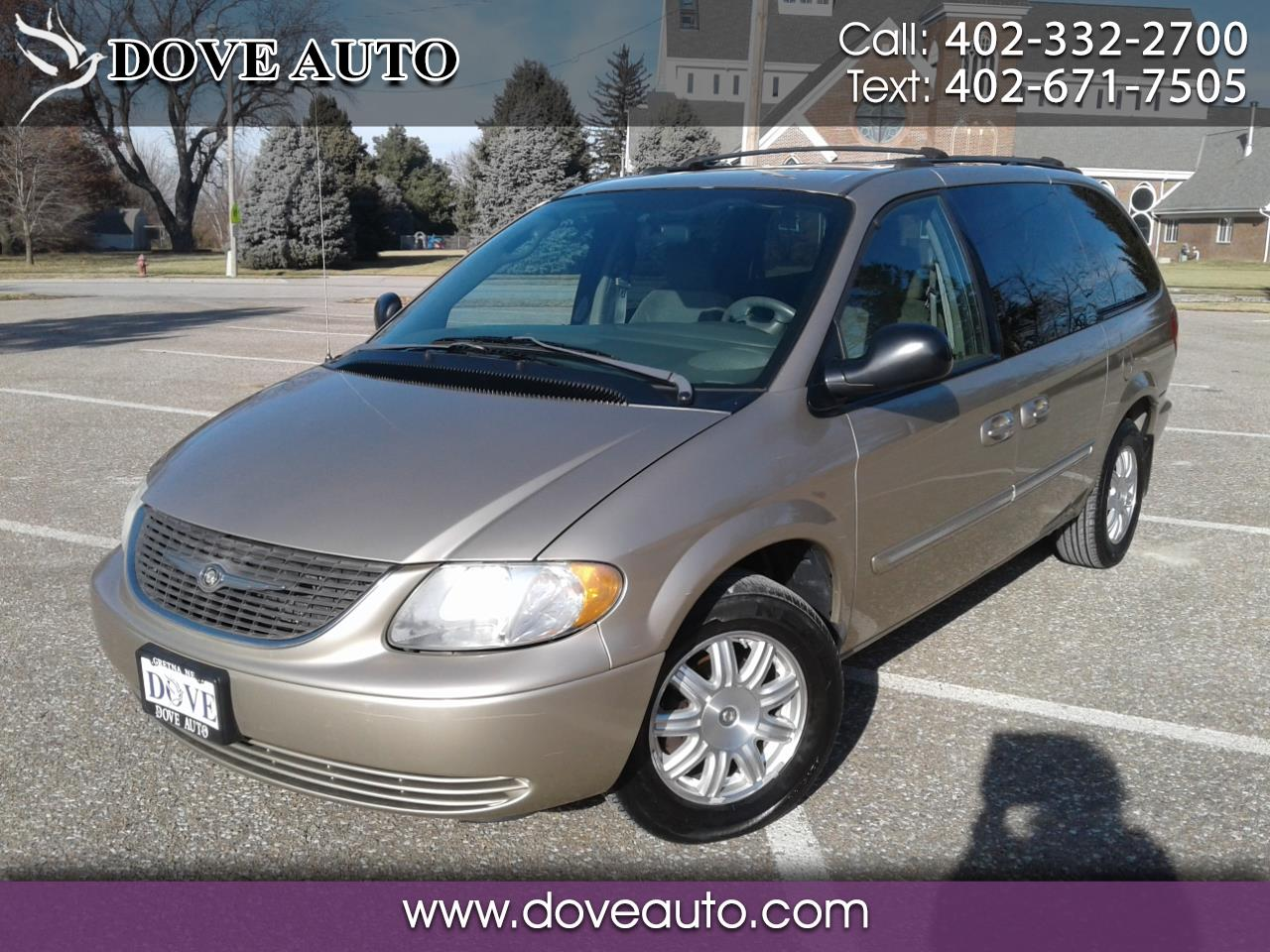 2004 Chrysler Town & Country 4dr Touring FWD