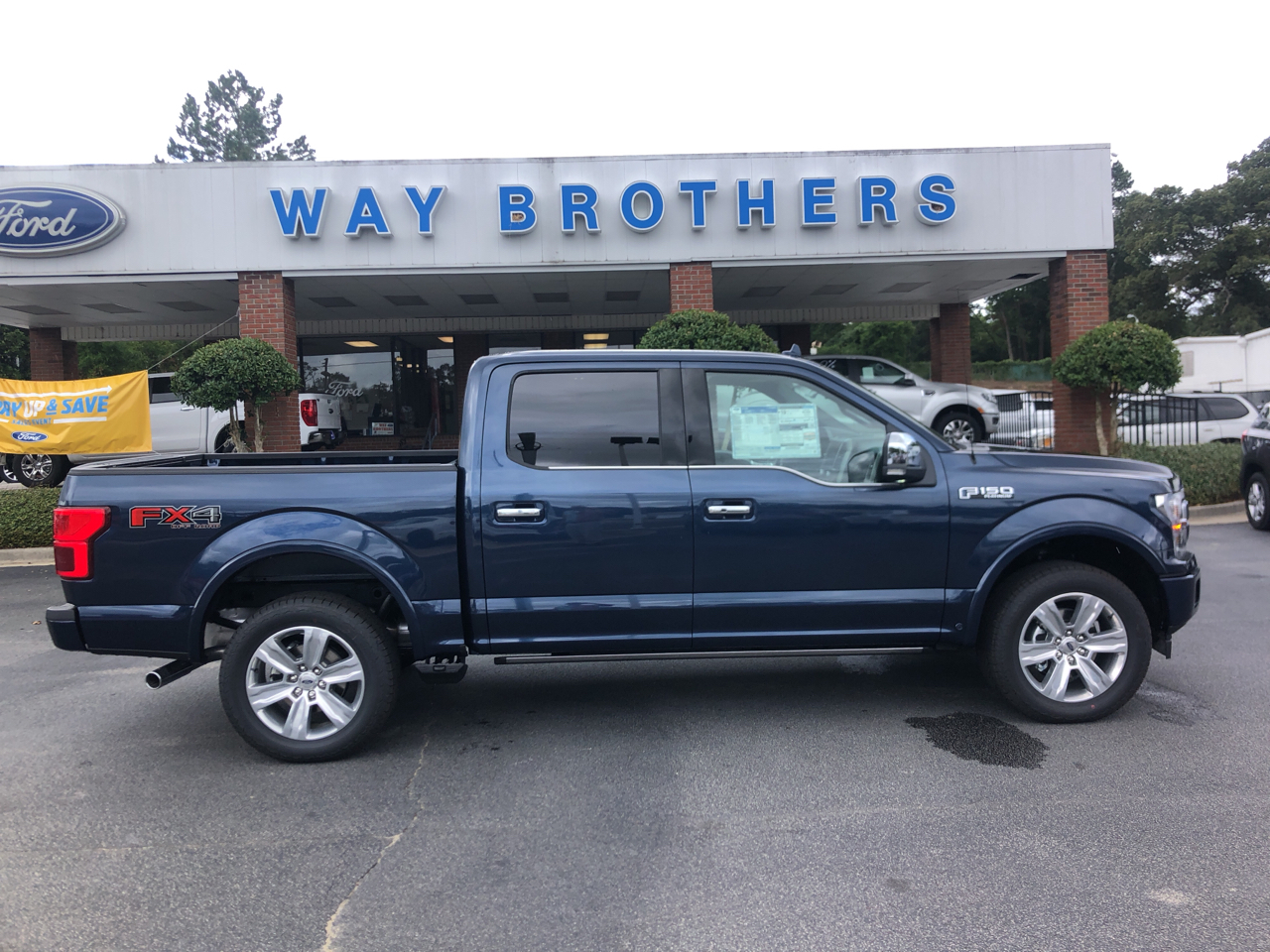 2019 Ford F-150 PLATINUM 4WD SUPERCREW 5.