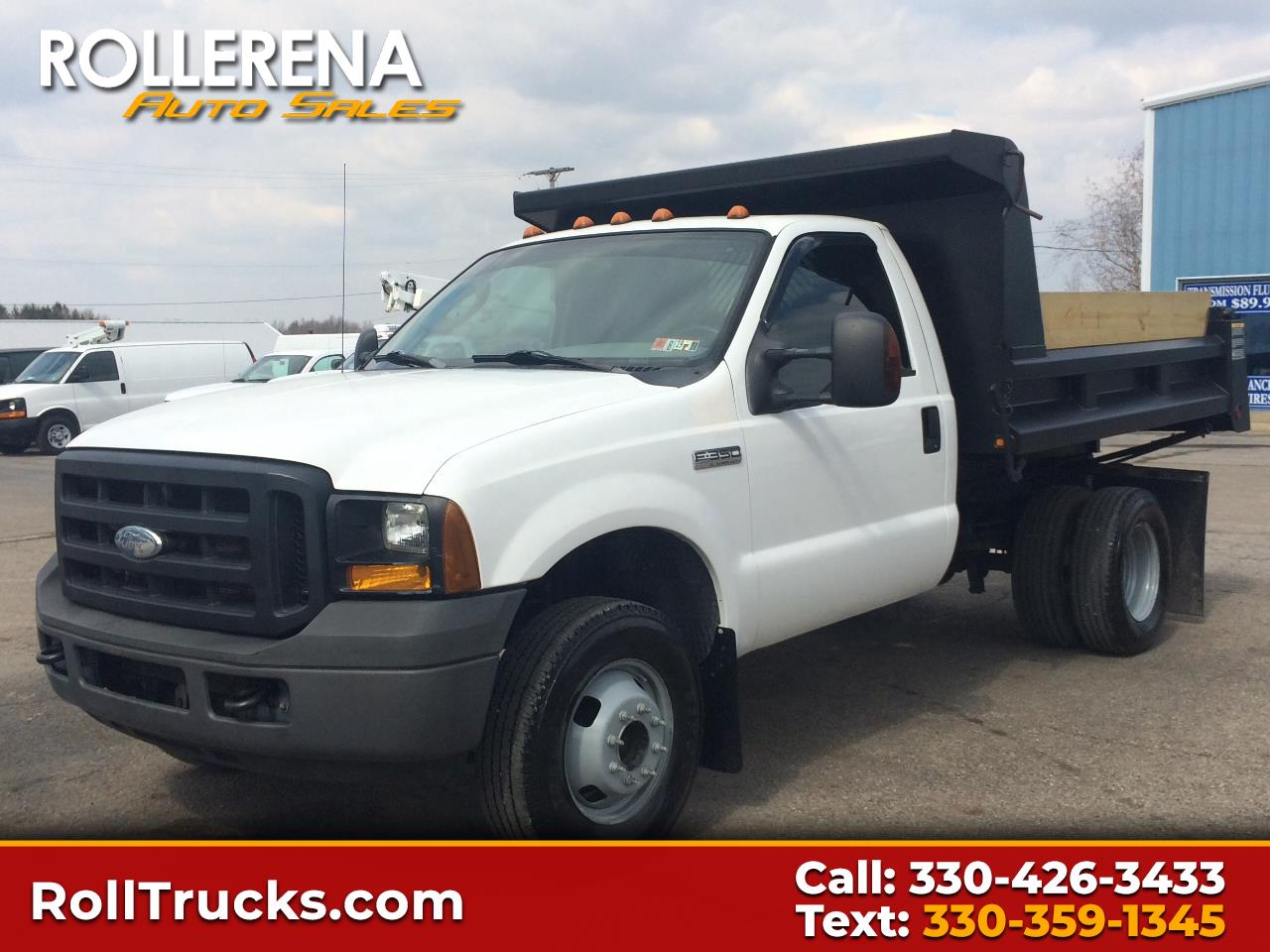 "2006 Ford Super Duty F-350 DRW 4WD Reg Cab 141"" WB 60"" CA XL"