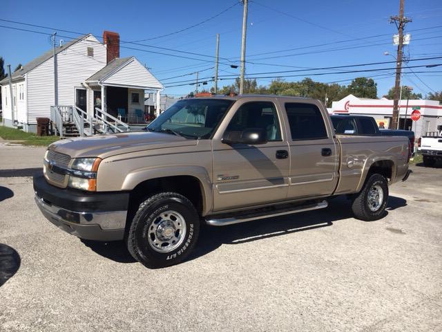 """2004 Chevrolet Silverado 2500HD Crew Cab 153"""" WB 4WD"""
