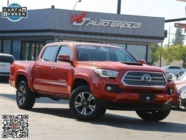 2017 Toyota Tacoma TRD Sport Double Cab 5' Bed V6 4x2 AT (Natl)