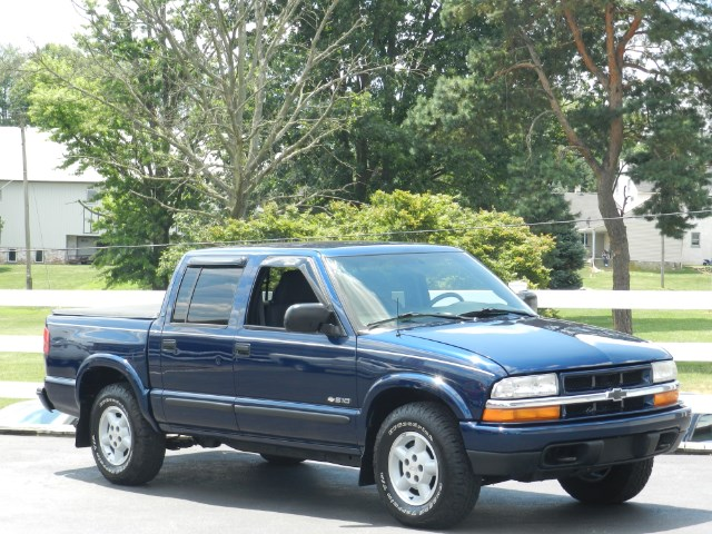 2004 Chevrolet S-10 Crew Cab 4WD LS