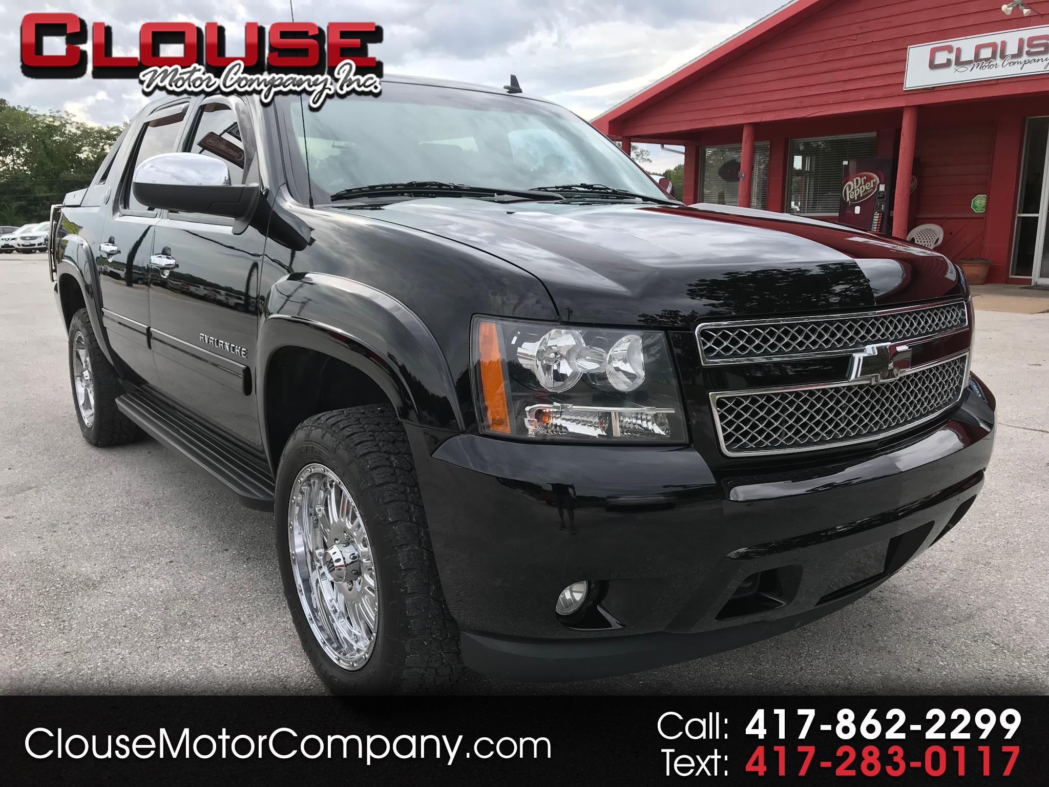 2013 Chevrolet Avalanche 4WD Crew Cab LT Black Diamond Edition